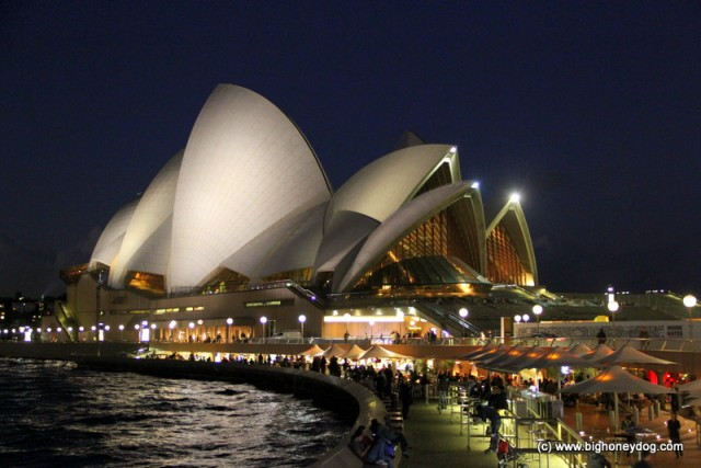 SydneyOperaHouse-night2